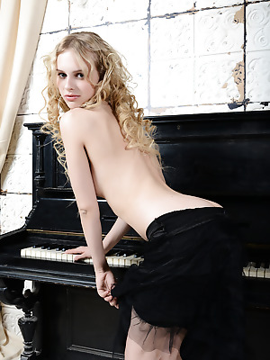 Showy Beauty  Nika  Blondes, Curly, Boobs, Breasts, Tits, Small tits, Beautiful, Striptease, Seduce